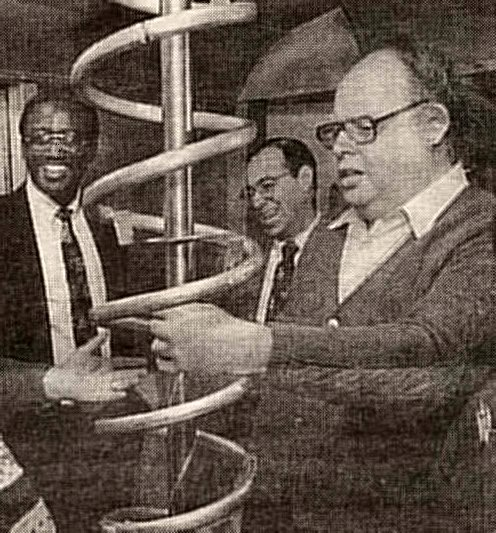 Steve Dobrow, 1944-2002, is at right in this picture, discussing an experimental MTA subway car.